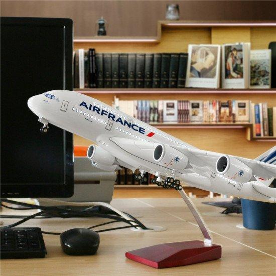 Модель самолета Airbus A380 с LED подсветкой