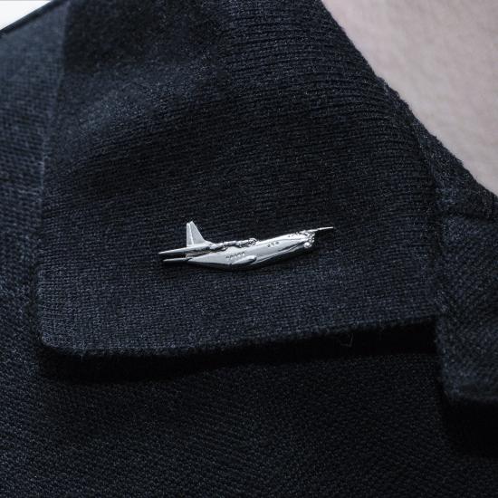 Значок авиационный Aerospace Aн-12